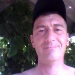 Парень ищет девушку в Тюмени для секса без обязательств